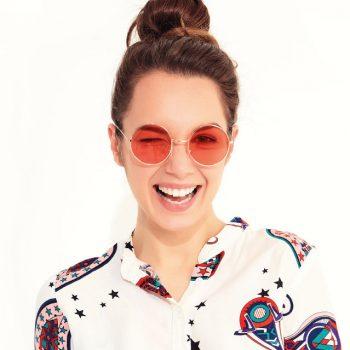 Preview Primavera/Verão 2021: saiba como combinar seus óculos com a moda
